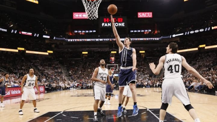 Apr 30, 2016; San Antonio, TX, USA; Oklahoma City Thunder power forward Nick Collison (4) shoots the ball against the San Antonio Spurs in game one of the second round of the NBA Playoffs at AT&T Center. Mandatory Credit: Soobum Im-USA TODAY Sports