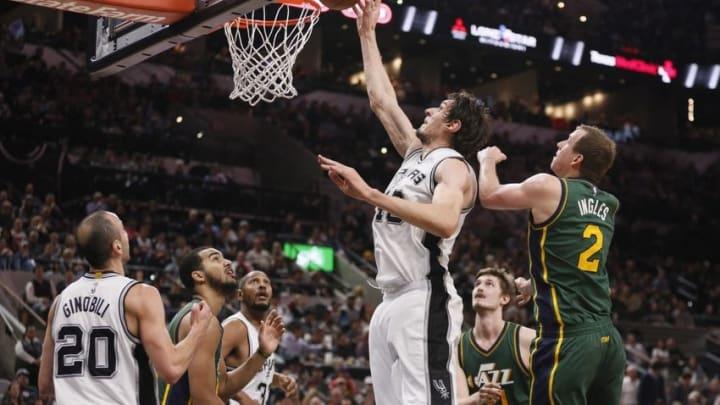 Jan 6, 2016; San Antonio, TX, USA; San Antonio Spurs center Boban Marjanovic (40) shoots the ball against the Utah Jazz during the second half at AT&T Center. Mandatory Credit: Soobum Im-USA TODAY Sports