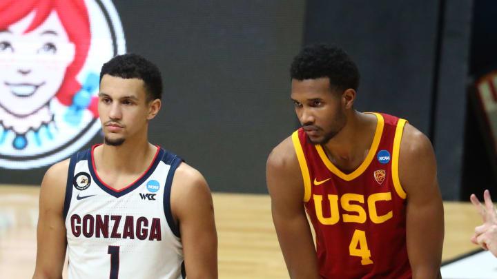 Mar 30, 2021; Indianapolis, IN, USA; Gonzaga Bulldogs guard Jalen Suggs (1) and San Antonio Spurs draft prospect/Southern California Trojans forward E