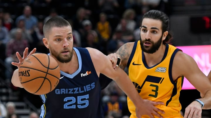 SALT LAKE CITY, UT – OCTOBER 22: Chandler Parsons #25 of the Memphis Grizzlies drives around Ricky Rubio #3 of the Utah Jazz in the first half of a NBA game at Vivint Smart Home Arena on October 22, 2018 in Salt Lake City, Utah. (Photo by Gene Sweeney Jr./Getty Images)