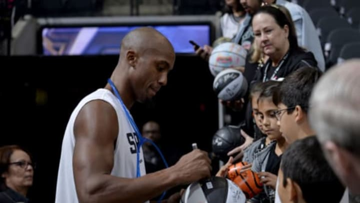 San Antonio, TX – OCTOBER 27: Dante Cunningham #33 of the San Antonio Spurs signs autographs with fans (Photo by Mark Sobhani/NBAE via Getty Images)