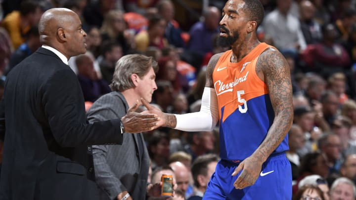 CLEVELAND, OH – NOVEMBER 13: JR Smith #5 of the Cleveland Cavaliers high fives Head Coach Larry Drew of the Cleveland Cavaliers on November 13, 2018 at The Quicken Loans Arena in Cleveland, Ohio. (Photo by David Liam Kyle/NBAE via Getty Images)