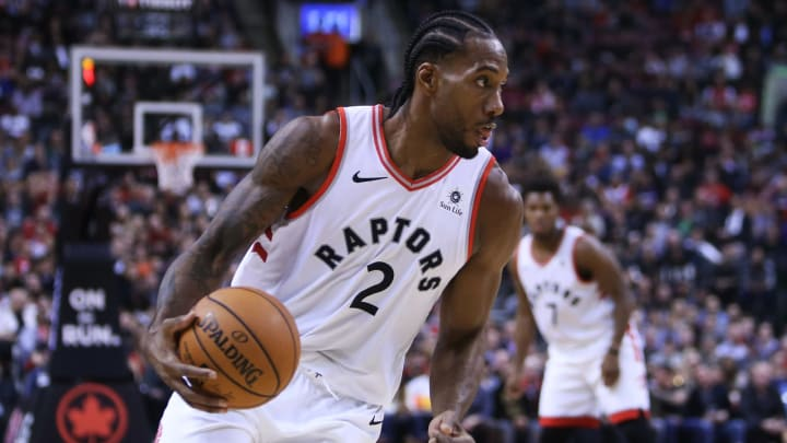 TORONTO, ON – OCTOBER 30: Kawhi Leonard #2 of the Toronto Raptors dribbles the ball during the second half of an NBA game against the Philadelphia 76ers at Scotiabank Arena on October 30, 2018 in Toronto, Canada. (Photo by Vaughn Ridley/Getty Images)