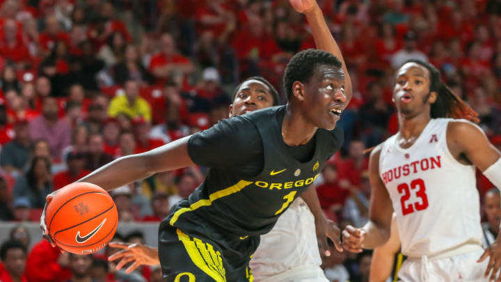 HOUSTON, TX – DECEMBER 01: Oregon Ducks center Bol Bol (1) holds on to the rebound during the basketball game between the Oregon Ducks and Houston Cougars on December 1, 2018 at Fertitta Center in Houston, Texas. (Photo by Leslie Plaza Johnson/Icon Sportswire via Getty Images)