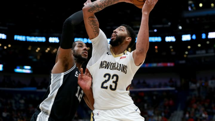 NEW ORLEANS, LOUISIANA – NOVEMBER 19: Anthony Davis #23 of the New Orleans Pelicans shoots over LaMarcus Aldridge #12 of the San Antonio Spurs during a game at the Smoothie King Center on November 19, 2018 in New Orleans, Louisiana. (Photo by Sean Gardner/Getty Images)