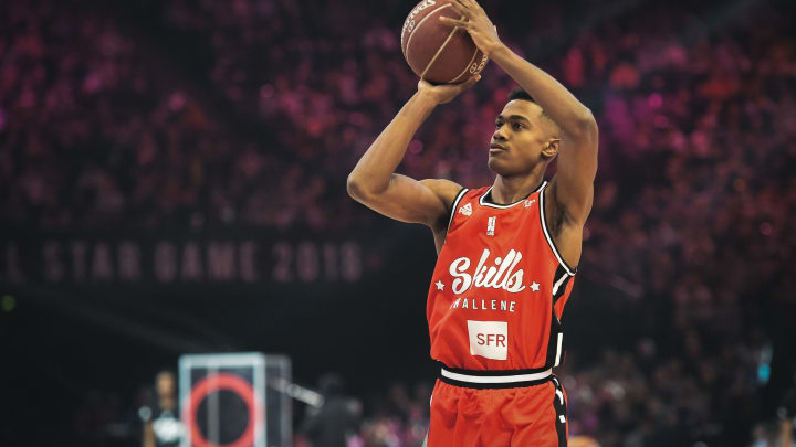 NBA Draft prospect Theo Maledon tries a shot at the point guard contest during an All-Star Game basketball match of the French Ligue Nationale de Basket (LNB) (Photo by LUCAS BARIOULET / AFP)