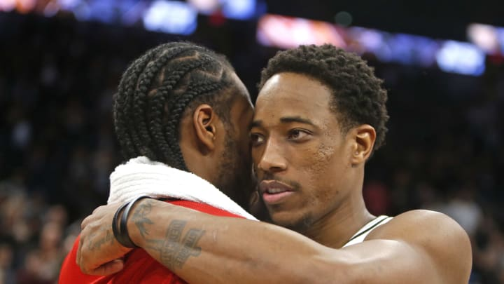 SAN ANTONIO, TX – JANUARY 3: DeMar DeRozan #10 of the San Antonio Spurs greets Kawhi Leonard #2 of the Toronto Raptors at the end of the game at AT&T Center on January 3, 2019 in San Antonio, Texas. (Photo by Ronald Cortes/Getty Images)