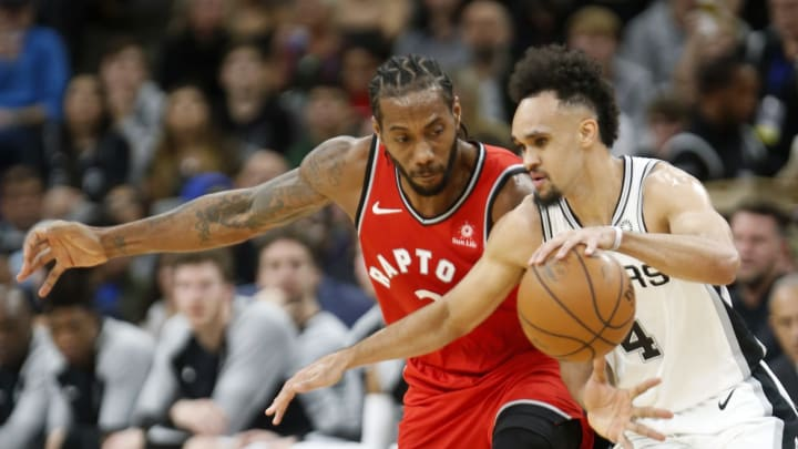 SAN ANTONIO, TX – JANUARY 3: Kawhi Leonard #2 of the Toronto Raptors tries to steal the ball from Derrick White #4 of the San Antonio Spurs at AT&T Center on January 3, 2019 in San Antonio, Texas. (Photo by Ronald Cortes/Getty Images)