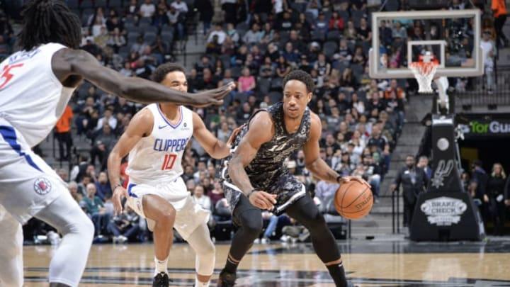 SAN ANTONIO, TX - JANUARY 20: DeMar DeRozan #10 of the San Antonio Spurs handles the ball against the LA Clippers. (Photos by Mark Sobhani/NBAE via Getty Images)