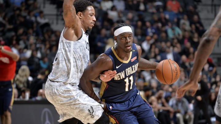 SAN ANTONIO, TX – FEBRUARY 2: Jrue Holiday #11 of the New Orleans Pelicans handles the ball against the San Antonio Spurs on February 2, 2019 (Photos by Mark Sobhani/NBAE via Getty Images)
