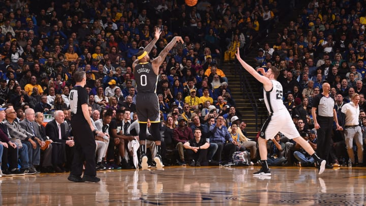 OAKLAND, CA – FEBRUARY 6: DeMarcus Cousins #0 of the Golden State Warriors shoots the ball against the San Antonio Spurs (Photo by Noah Graham/NBAE via Getty Images)