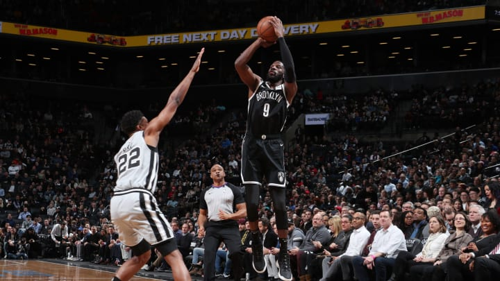 BROOKLYN, NY – FEBRUARY 25: DeMarre Carroll #9 of the Brooklyn Nets shoots the ball against the San Antonio Spurs (Photo by Nathaniel S. Butler/NBAE via Getty Images)