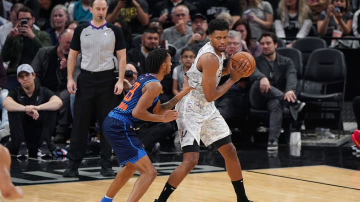 SAN ANTONIO, TX – MARCH 2: Rudy Gay #22 of the San Antonio Spurs jocks for a position during the game against Terrance Ferguson #23 of the Oklahoma City Thunder on March 2, 2019 at the AT&T Center in San Antonio, Texas. (Photos by Darren Carroll/NBAE via Getty Images)