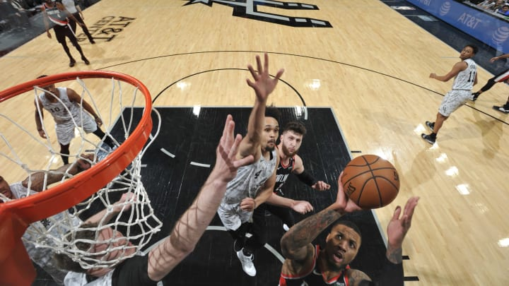 SAN ANTONIO, TX – MARCH 16: Damian Lillard #0 of the Portland Trail Blazers shoots layup against the San Antonio Spurs on March 16, 2019, at the AT&T Center in San Antonio, Texas.