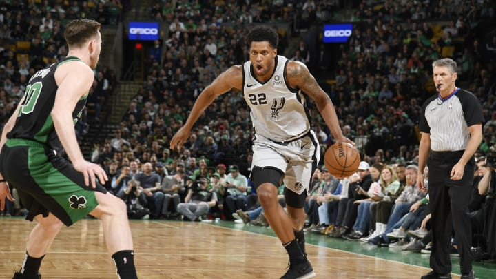 BOSTON, MA – MARCH 24: Rudy Gay #22 of the San Antonio Spurs handles the ball against the Boston Celtics (Photo by Brian Babineau/NBAE via Getty Images)