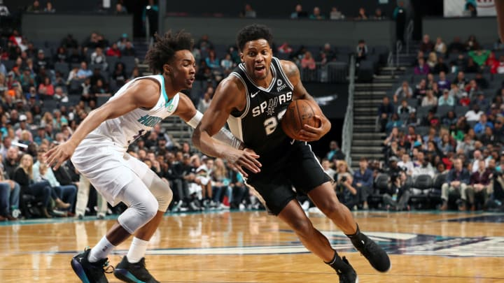 CHARLOTTE, NC – MARCH 26: Rudy Gay #22 of the San Antonio Spurs drives to the basket against the Charlotte Hornets (Photo by Kent Smith/NBAE via Getty Images)
