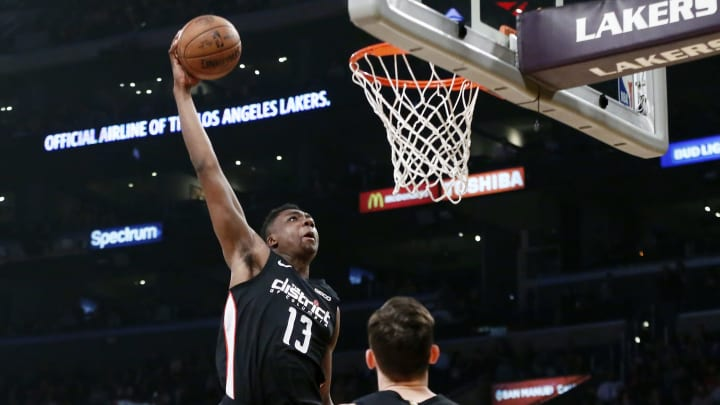 LOS ANGELES, CA – MARCH 26: Thomas Bryant #13 of the Washington Wizards goes to the basket for a dunk against the Los Angeles Lakers on March 26, 2019 at STAPLES Center in Los Angeles, California. (Photo by Chris Elise/NBAE via Getty Images)