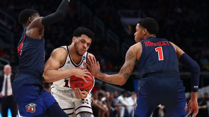 SAN JOSE, CALIFORNIA – MARCH 22: Quinndary Weatherspoon #11 of the Mississippi State Bulldogs drives against the Liberty Flames during the First Round of the NCAA Basketball Tournament (Photo by Yong Teck Lim/Getty Images)