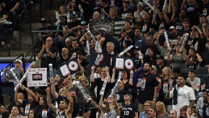 San Antonio Spurs fans (Photo by Ronald Cortes/Getty Images) *** local caption ***