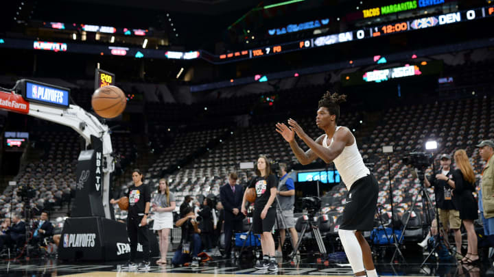 SAN ANTONIO, TX – APRIL 25: Lonnie Walker IV #1 of the San Antonio Spurs warms up before Game Six of Round One against the Denver Nuggets during the 2019 NBA Playoffs (Photos by Mark Sobhani/NBAE via Getty Images)