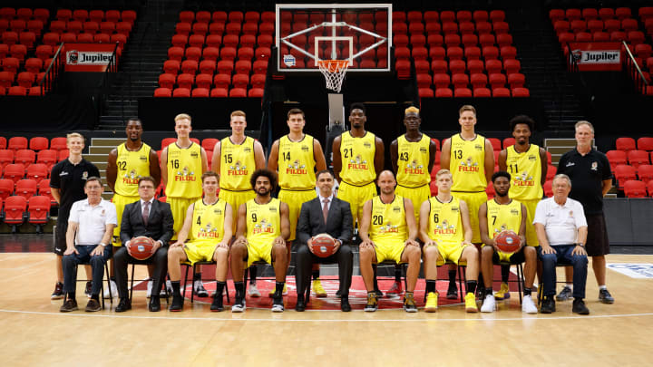 (up L-R) Oostende's athletic coach Thomas Huyghe, Oostende's MiKyle McIntosh, Oostende's Sam Lambert, Oostende's Sam Huurman, Oostende's Servaas Buysschaert, Oostende's Shevon Thompson, Oostende's Amar Sylla. (Photo credit should read KURT DESPLENTER/AFP via Getty Images)