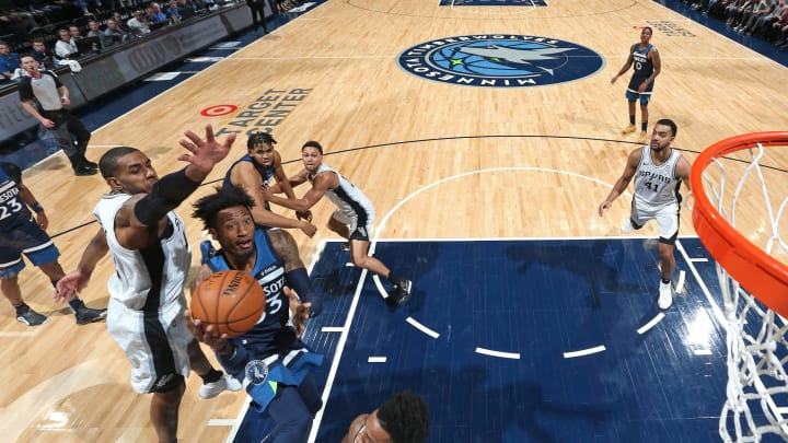 MINNEAPOLIS, MN – NOVEMBER 13: Robert Covington #33 of the Minnesota Timberwolves drives to the basket against the San Antonio Spurs on November 13, 2019 at Target Center (Photo by David Sherman/NBAE via Getty Images)