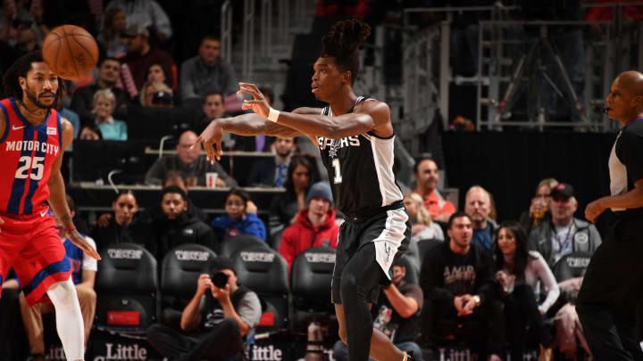 DETROIT, MI – DECEMBER 1: Lonnie Walker IV #1 of the San Antonio Spurs passes the ball against the Detroit Pistons on December 1, 2019 (Photo by Chris Schwegler/NBAE via Getty Images)