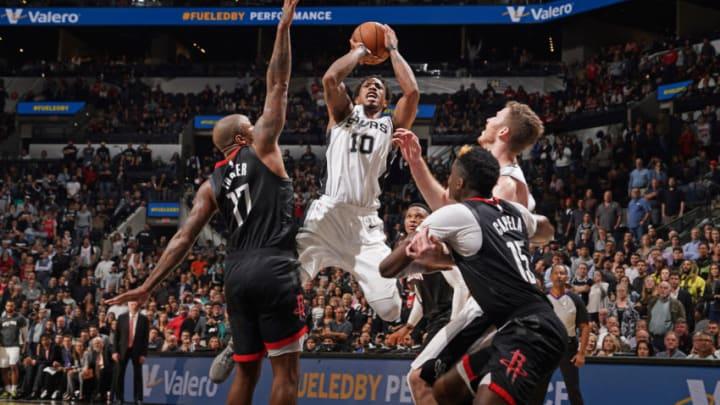 DeMar DeRozan of the San Antonio Spurs.(Photos by Darren Carroll/NBAE via Getty Images)