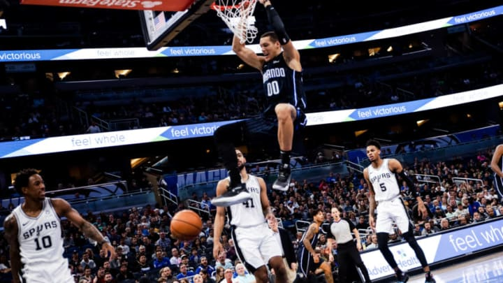 ORLANDO, FLORIDA - NOVEMBER 15: Aaron Gordon #00 of the Orlando Magic dunks against the San Antonio Spurs in first the quarter at Amway Center (Photo by Harry Aaron/Getty Images)