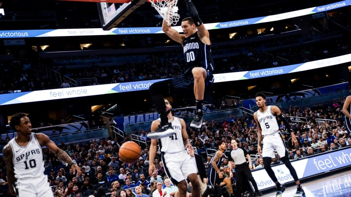 ORLANDO, FLORIDA – NOVEMBER 15: Aaron Gordon #00 of the Orlando Magic dunks against the San Antonio Spurs in first the quarter at Amway Center (Photo by Harry Aaron/Getty Images)
