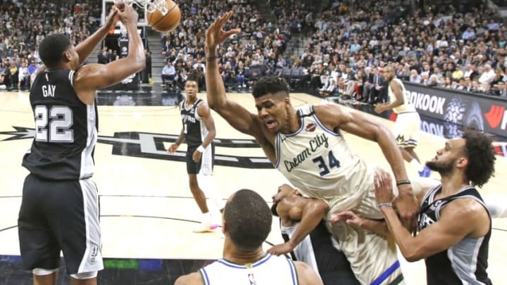 SAN ANTONIO, TX - JANUARY 6: Giannis Antetokounmpo #34 of the Milwaukee Bucks can't get to a rebound against the San Antonio Spurs during second half action at AT&T Center on January 6, 2020 in San Antonio, Texas. NOTE TO USER: User expressly acknowledges and agrees that , by downloading and or using this photograph, User is consenting to the terms and conditions of the Getty Images License Agreement. (Photo by Ronald Cortes/Getty Images)