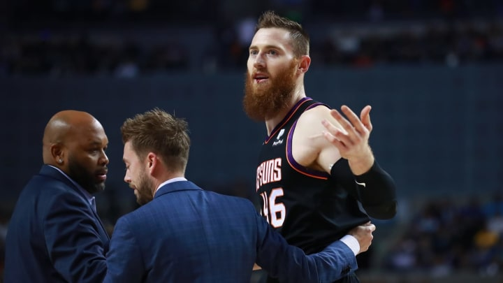 MEXICO CITY, MEXICO – DECEMBER 14: Aron Baynes #46 of the Phoenix Suns during a game between San Antonio Spurs and Phoenix Suns at Arena Ciudad de Mexico. (Photo by Hector Vivas/Getty Images)