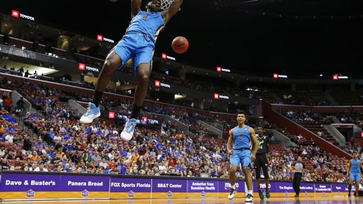 SUNRISE, FLORIDA – DECEMBER 21: Potential San Antonio Spurs draftee Patrick Williams #4 of the Florida State Seminoles dunks during the Orange Bowl Basketball Classic. (Photo by Michael Reaves/Getty Images)