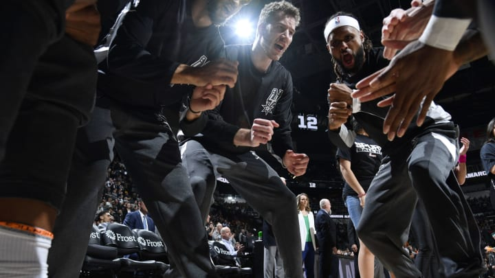 SAN ANTONIO, TX – JANUARY 24: San Antonio Spurs huddles up before the game against the Phoenix Suns on January 24, 2020 at the AT&T Center (Photos by Logan Riely/NBAE via Getty Images)
