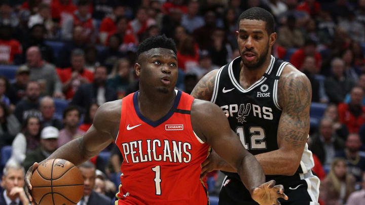 NEW ORLEANS, LOUISIANA – JANUARY 22: Zion Williamson #1 of the New Orleans Pelicans drives the ball around LaMarcus Aldridge #12 of the San Antonio Spurs on January 22, 2020 (Photo by Chris Graythen/Getty Images)
