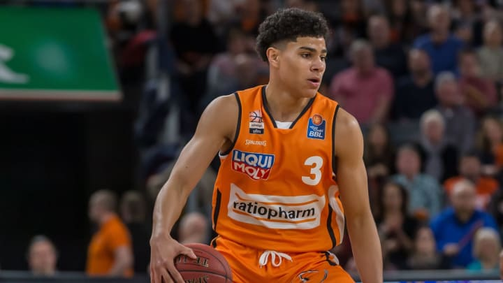 ULM, GERMANY – MARCH 08: (BILD ZEITUNG OUT) Killian Hayes of Ratiopharm Ulm controls the Ball during the EasyCredit Basketball Bundesliga (BBL) match between Ratiopharm Ulm and MHP Riesen Ludwigsburg at ratiopharm Arena on March 8, 2020 in Ulm, Germany. (Photo by Harry Langer/DeFodi Images via Getty Images)