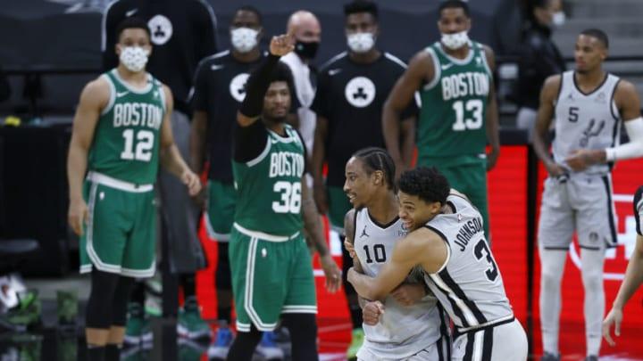San Antonio Spurs DeMar DeRozan Keldon Johnson (Photo by Tom Pennington/Getty Images)