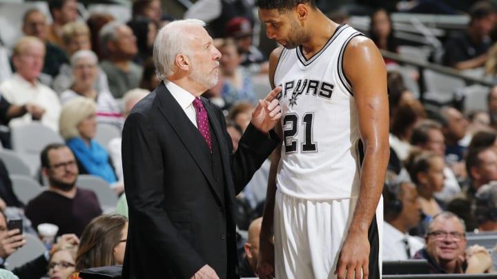 SAN ANTONIO, TX – DECEMBER 2: Head coach Gregg Popovich of the San Antonio Spurs and Tim Duncan #21 of the San Antonio Spurs talk during the game (Photos by Chris Covatta/NBAE via Getty Images)