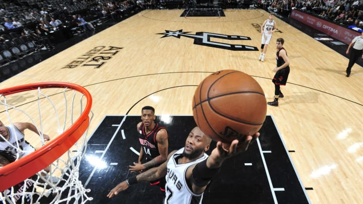 SAN ANTONIO, TX – MAY 1: Jonathon Simmons #17 of the San Antonio Spurs goes up for a shot against the Houston Rockets during Game One of the Western Conference Semifinals of the 2017 NBA Playoffs on May 1, 2017 at AT&T Center in San Antonio, Texas. (Photo by Mark Sobhani/NBAE via Getty Images)