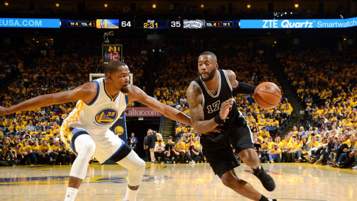 OAKLAND, CA – MAY 16: Jonathon Simmons #17 of the San Antonio Spurs drives to the basket during the game against the Golden State Warriors during Game Two of the Western Conference Finals of the 2017 NBA Playoffs on May 16, 2017 at ORACLE Arena in Oakland, California. (Photo by Noah Graham/NBAE via Getty Images)
