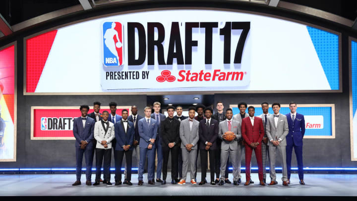 BROOKLYN, NY – JUNE 22: The 2017 NBA Draft class gathers on stage for a posed photo following the first round (Photo by Nathaniel S. Butler /NBAE via Getty Images)