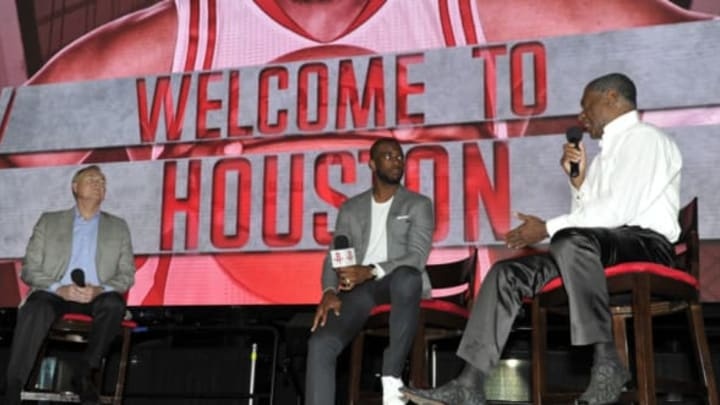 HOUSTON, TX – JULY 14: The Houston Rockets introduce Chris Paul and chats with Calvin Murphy on July 14, 2017 at the Toyota Center in Houston, Texas. NOTE TO USER: User expressly acknowledges and agrees that, by downloading and/or using this photograph, user is consenting to the terms and conditions of the Getty Images License Agreement. Mandatory Copyright Notice: Copyright 2017 NBAE (Photo by Bill Baptist/NBAE via Getty Images)