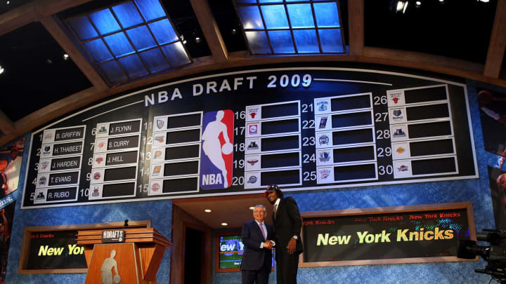 NEW YORK – JUNE 25: NBA Commissioner David Stern poses for a photograph with the eighth overall draft pick by the New York Knicks, Jordan Hill during the 2009 NBA Draft. (Photo by Jim McIsaac/Getty Images)