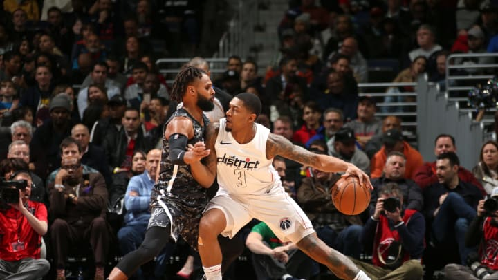 WASHINGTON, DC –MARCH 27: Bradley Beal #3 of the Washington Wizards handles the ball against the San Antonio Spurs on March 27, 2018 at Capital One Arena in Washington, DC. (Photo by Ned Dishman/NBAE via Getty Images)