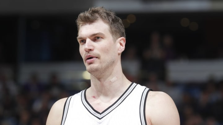 SACRAMENTO, CA - FEBRUARY 27: Tiago Splitter #22 of the San Antonio Spurs looks on during the game against the Sacramento Kings on February 27, 2015 at Sleep Train Arena in Sacramento, California. NOTE TO USER: User expressly acknowledges and agrees that, by downloading and or using this photograph, User is consenting to the terms and conditions of the Getty Images Agreement. Mandatory Copyright Notice: Copyright 2015 NBAE (Photo by Rocky Widner/NBAE via Getty Images)