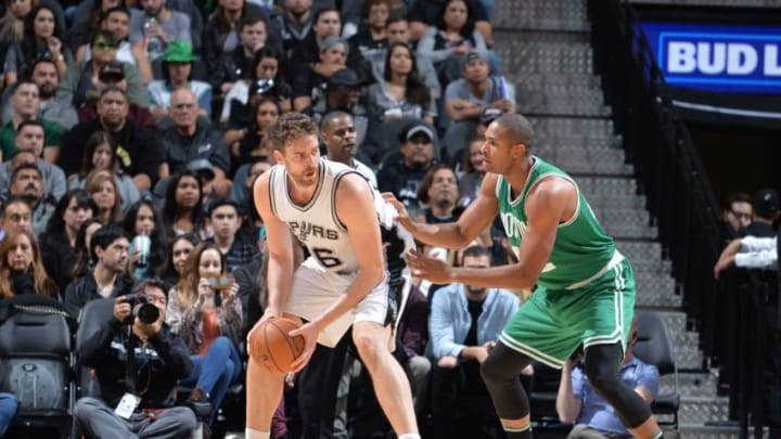 SAN ANTONIO, TX - DECEMBER 14: Pau Gasol #16 of the San Antonio Spurs handles the ball against the Boston Celtics on December 14, 2016 at the AT&T Center in San Antonio, Texas. NOTE TO USER: User expressly acknowledges and agrees that, by downloading and or using this photograph, user is consenting to the terms and conditions of the Getty Images License Agreement. Mandatory Copyright Notice: Copyright 2016 NBAE (Photos by Mark Sobhani/NBAE via Getty Images)
