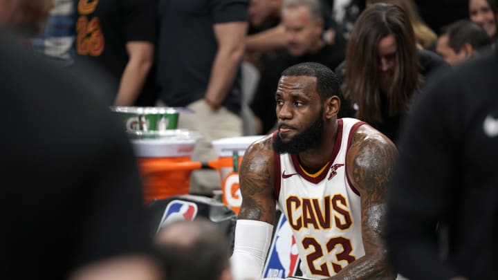 SAN ANTONIO, TX – JANUARY 23: LeBron James #23 of the Cleveland Cavaliers after he scores his 30,000th career point during the game against the San Antonio Spurs on January 23, 2018 at the AT&T Center in San Antonio, Texas. NOTE TO USER: User expressly acknowledges and agrees that, by downloading and/or using this photograph, user is consenting to the terms and conditions of the Getty Images License Agreement. Mandatory Copyright Notice: Copyright 2018 NBAE (Photo by Darren Carroll/NBAE via Getty Images)