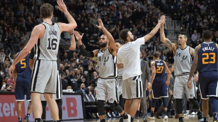 SAN ANTONIO, TX - FEBRUARY 3: the San Antonio Spurs exchange handshakes after the game against the Utah Jazz on February 3, 2018 at the AT&T Center in San Antonio, Texas. NOTE TO USER: User expressly acknowledges and agrees that, by downloading and or using this photograph, user is consenting to the terms and conditions of the Getty Images License Agreement. Mandatory Copyright Notice: Copyright 2018 NBAE (Photos by Mark Sobhani/NBAE via Getty Images)