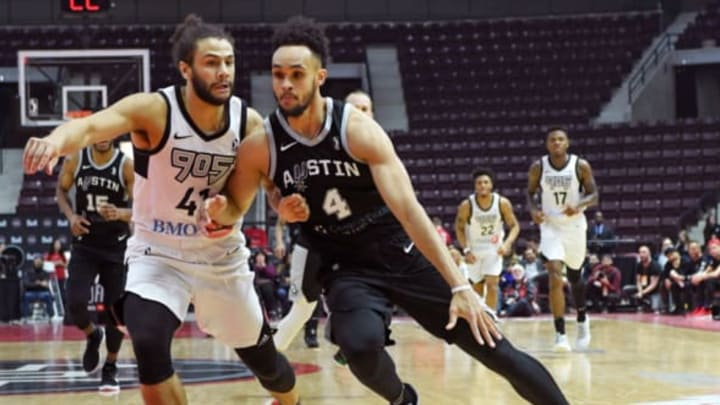 MISSISSAUGA, CANADA – APRIL 10: Derrick White #4 of the Austin Spurs handles the ball against the Raptors 905 during Game Two of the NBA G-League Finals on April 10, 2018 at the Hershey Centre in Mississauga, Ontario, Canada. NOTE TO USER: User expressly acknowledges and agrees that, by downloading and/or using this photograph, user is consenting to the terms and conditions of the Getty Images License Agreement. Mandatory Copyright Notice: Copyright 2018 NBAE (Photo by Ron Turenne/NBAE via Getty Images)