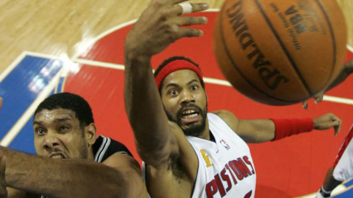 Tim Duncan Rasheed Wallace (Photo credit should read STR/AFP via Getty Images)